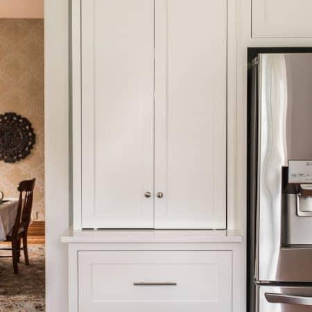 custom white kitchen cabinet